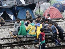 İdomenideki sığınmacılar diğer kampları reddediyor