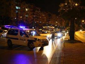 İzmirde bomba süsü verilmiş piknik tüpü fünyeyle patlatıldı