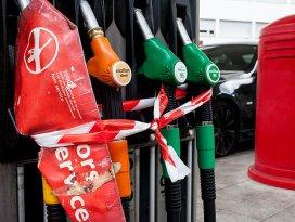 Paris çevresinde ciddi benzin sıkıntısı yaşanıyor