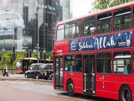 Londrada otobüslere Sübhanallah yazılı ilanlar yerleştirildi
