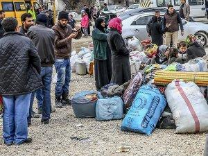DAEŞten kaçan binlerce kişi insani yardıma muhtaç
