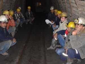 Zonguldakta 51 madenci eyleme son verdi