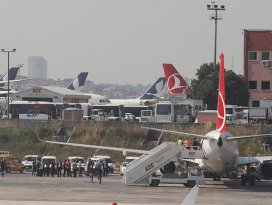 Konya-İstanbul seferine hazırlanan uçakta güvenlik araması
