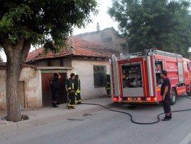 Konya'da metruk evde yangın