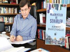 Ahmet Davutoğlunun yeni kitabı çıkıyor