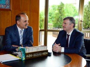 Vali Erol'dan Başkan Akyürek'e veda ziyareti