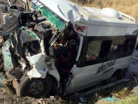 Diyarbakırda feci kaza: 6 ölü, 4 yaralı