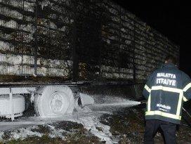 Tır yangınında 8 bin tavuk telef oldu