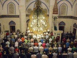 Konyada kaç camide hatimle teravih kılınıyor?