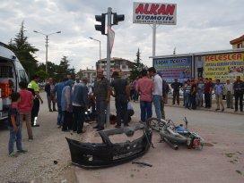 Ilgında otomobille motosiklet çarpıştı: 2 yaralı