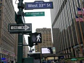 Muhammed Alinin adı New Yorkta bir sokağa verildi