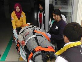 Motosiklet çöp konteynerine çarptı: 1 yaralı