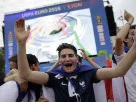 EURO 2016ya dev açılış