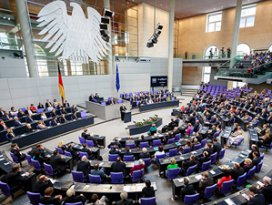 Almanyadan Türk kökenli vekillere uyarı