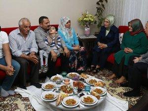 Emine Erdoğandan sürpriz iftar ziyareti