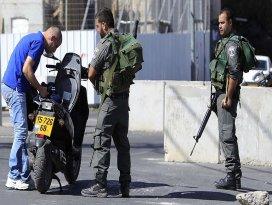 İsrail Ramallahtaki kontrol noktalarını artırdı
