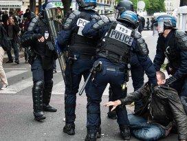 130 kişiye Paristeki gösterilere katılma yasağı