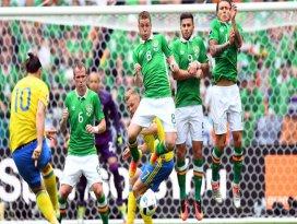 İrlanda ve İsveç 1er puanla başladı