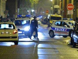 Pariste rehine krizi: 3 ölü