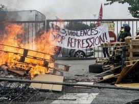 Fransada grev ve protestolar devam ediyor