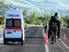 Vanda zırhlı polis aracının geçişi sırasında patlama: 6 yaralı