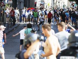 EURO 2016da Rus ve İngiliz taraftarların taşkınlıkları sürüyor