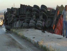 Otomobil, TIRla çarpıştı: 6 ölü