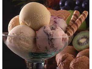 Konyalı esnafın dondurması turistlerin ilgi odağı