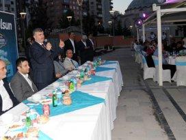 Başkan Akyürek'ten meclis üyelerine iftar