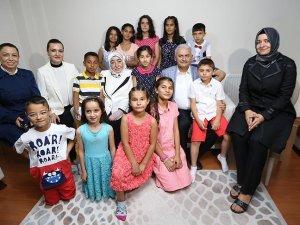Başbakan Yıldırım İzmirde sevgi evi ziyaret etti