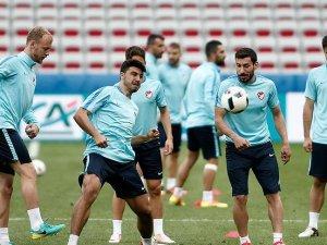 A Milli Futbol Takımında Çek Cumhuriyeti mesaisi