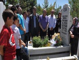 Yurttaki çocukları Ali Rıza babalarını unutmuyor