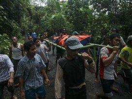 Endonezyada toprak kayması: 35 ölü