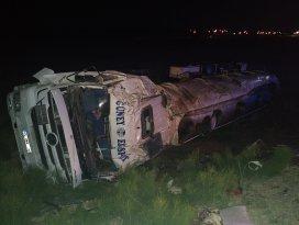 Konyada yük tankeri devrildi: 1 ölü