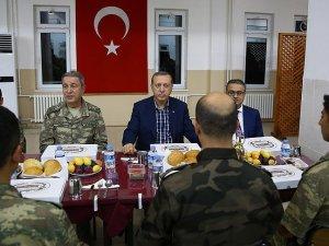 Erdoğan Şırnakta askerler ile iftar yaptı