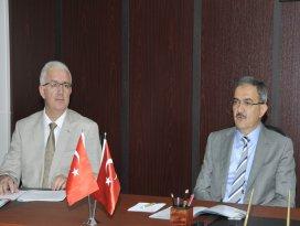 Rektör Şahin, Turizm Fakültesi'nin akademik kurul toplantısına katıldı
