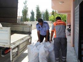 Cihanbeyli Belediyesi'nden 500 aileye yardım