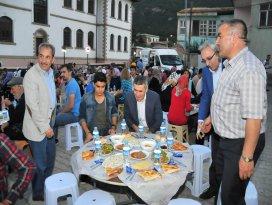 Akşehir Belediyesinin mahalle iftarları sürüyor