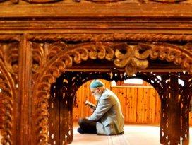 7 asırlık camide ramazanın huzurunu yaşadılar