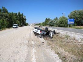 Beyşehirde otomobiller devrildi: 2 yaralı