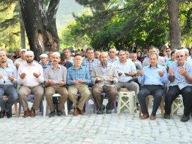 Akşehirde arife duası