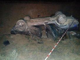 Otomobil şarampole yuvarlandı: 1 ölü, 1 ağır yaralı