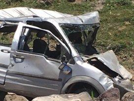 Düğün konvoyunda kaza: 20 yaralı