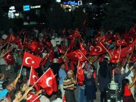 Akşehirde demokrasi nöbeti