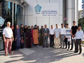 Başarılı İlahiyat Öğrencileri NEÜ bursu ile Arapça Dil Eğitimi için Ürdün'e gönderilecek