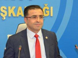 Ömer Ünal, Fevzi Kayacanı meclisten kovdu!