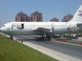 Uçak trafiğe çıktı