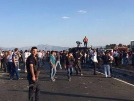 Polis servisine bombalı araçla saldırı! 5 şehit