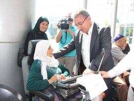 78 adet akülü engelli aracı ihtiyaç sahiplerine verildi
