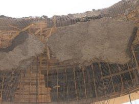 Mardinde cami kubbesi çöktü: 6 yaralı